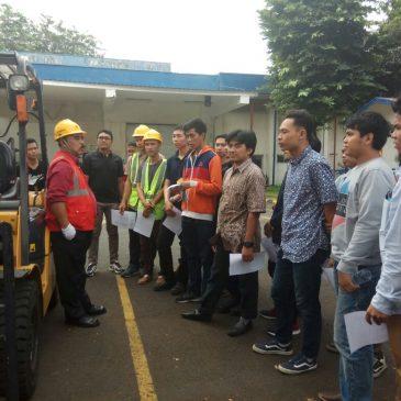Pelaksanaan Pelatihan Operator Forklift PT Essence Indonesia International (IFF) 13 Agustus 2017