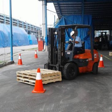 Pelaksanaan Pelatihan Operator Forklift PT. Pindo Deli Pulp And Paper Mills 04 s.d 06 September 2017